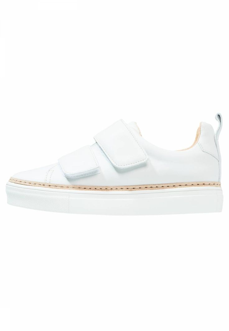 Samsøe & Samsøe. LAYNIE 3302 - Trainers - white. Pattern:plain. Sole:synthetics. Padding type:Cold padding. Shoe tip:round. Heel type:flat. Lining:leather. shoe fastener:Velcro fastening. upper material:leather. Insole:leather