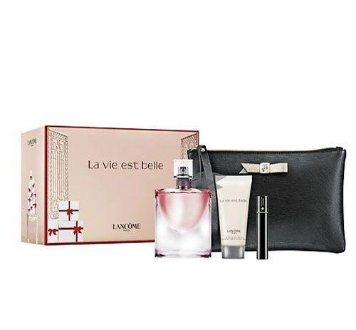 Lancome La Vie Est Belle - Sevgililer Gününe Özel SET Özet Bilgi : Edp bayan parfüm 50ml + Vücut losyonu 50ml + Maskara 2ml + Siyah makyaj çantası Fiyatı-295,00 TL  Ürün hakkında daha fazlasına erişmek için linke tıklayabilirsiniz.. http://www.dermoeczanem.com/lancome-la-vie-est-belle-yilbasina-ozel-set