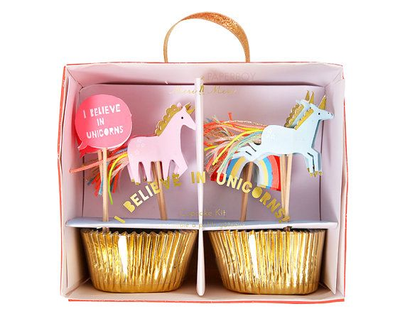 Perfect for a magical celebration this unicorn cupcake decorating kit is certain to make you a believer. With a set of shiny gold foil cupcake