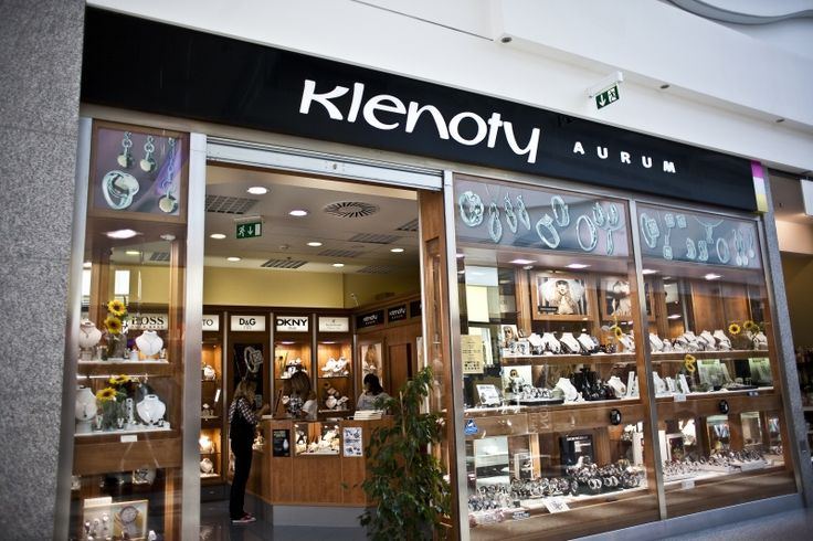 Klenoty Aurum in shopping mall.....www.3p.cz