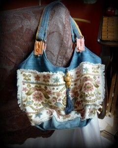 Hímzett táska, avagy egy kék farmer újragondolt formában | Sugallatok