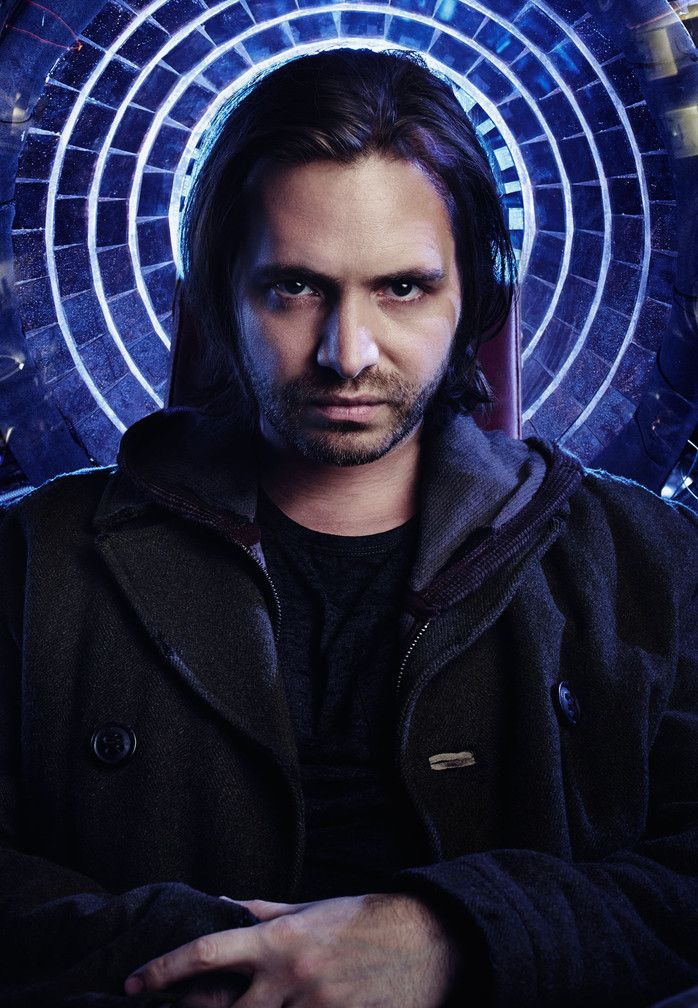 Aaron Stanford as James Cole | 12 Monkeys | Syfy