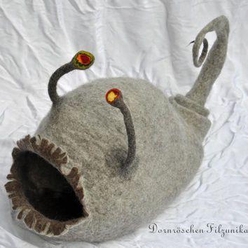 cat cave  -Fish of the deep blue sea-