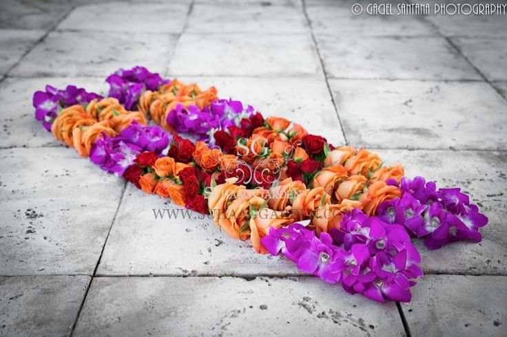 Suhaag Garden, Wedding Garlands, Spray Roses, Orchids and Roses, Shipping Nationwide  www.sameepam.com
