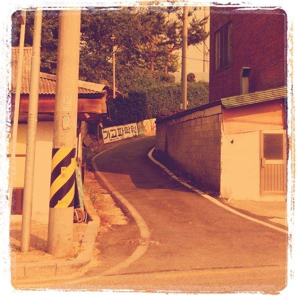csh153 / #골목 #비탈 #글자들 / 2011 08 26 /