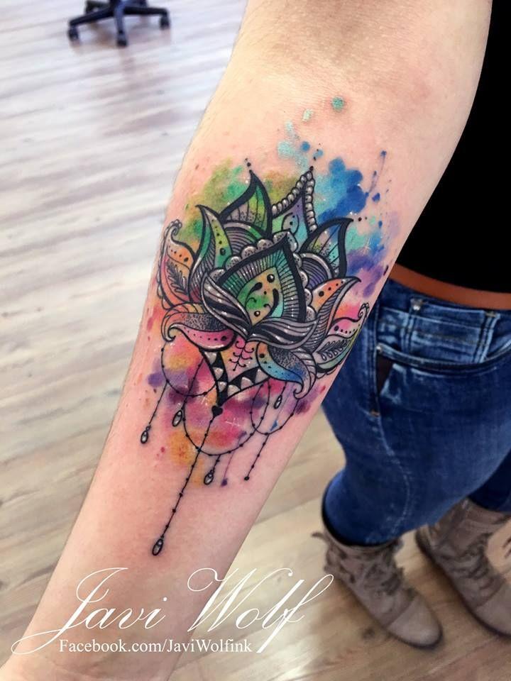 Flor de loto estilo ornamental con acuarela :)Diseño y estilo propio, espero les guste y compartan mi trabajo para que más gente lo conozca, gracias For great tattoos don't forget to visit:...