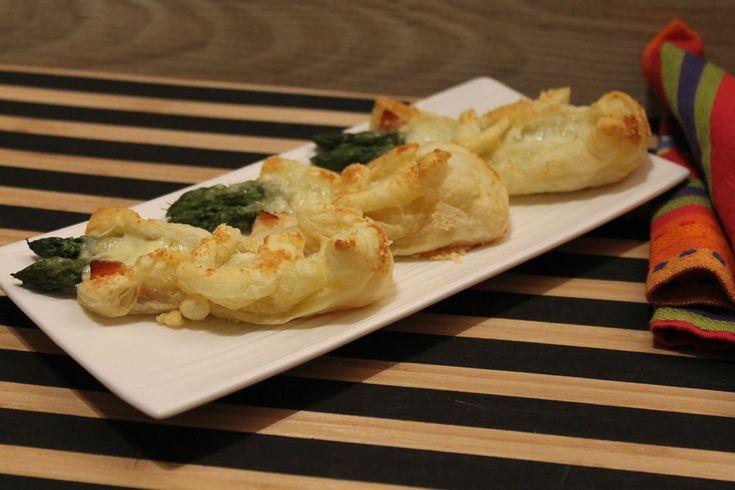 Ricetta saccottini di sfoglia con asparagi e speck