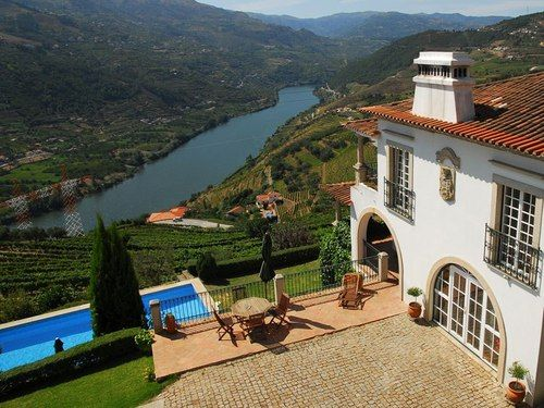 Douro riverbanks #Portugal