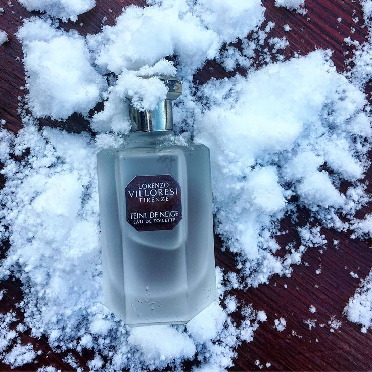 #teintdeneige ❄️❄️❄️#lorenzovilloresi #beautiful #snow #powder #perfume #love #nicheperfumes #rosinaperfumery #giannitsopoulou6 #glyfada #athens #greece #shoponline : www.rosinaperfumery.com ☃️