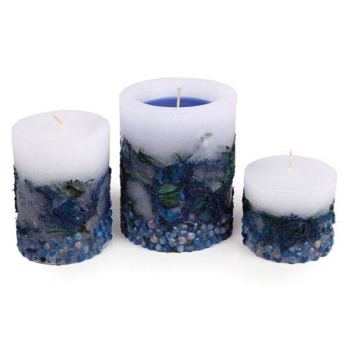 Paraffin candle with embedded decorative elements. Made by Neo-Spiro. #potpourri #white #blue #natural