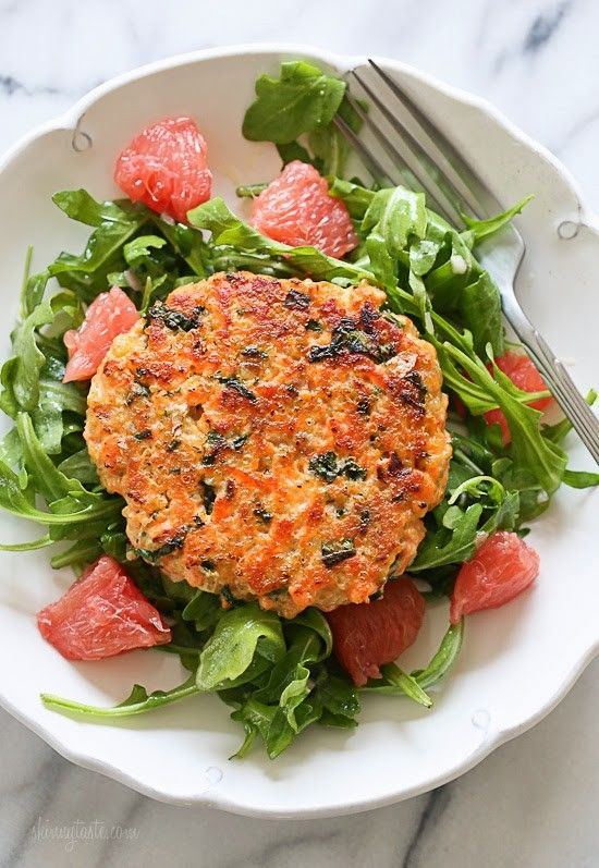Wild salmon, quinoa, and kale – these burgers are not only super healthy, loaded with good-for-you omegas and tons of protein (21-1/2 grams of protein) they also taste delicious and are easy to make. Serve them on a simple arugula salad with grapefruit, with a mustard-shallot vinaigrette.    I'm excited to share this awesome salmon recipe with you, because it takes me back a few weeks to my weekend in Santa Cruz with a great group of women, who all happened to be amazing food bloggers…