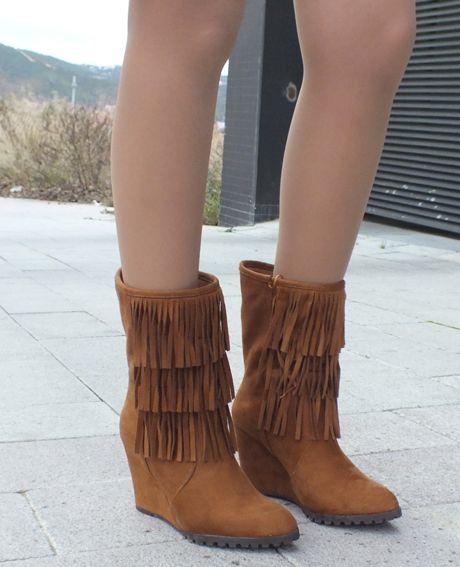MARYPAZ fringe boots  http://sandrafashiondiary.es