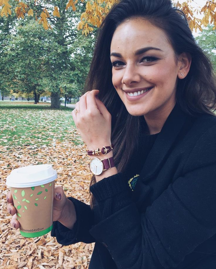Janina Uhse enjoys fall with her Sailor Line + PHREP combo in our new color Dark Berry!