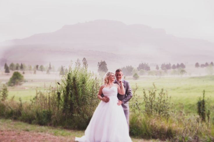 Gorgeous Photo of the wedding couple at Glengary Midlands photographer Daniel L Meyer