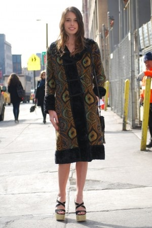 Street Style: Chelsea Tyler Rocks a Vintage Coat