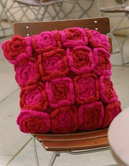 Come fare cuscino con fiori a maglia e uncinetto - Istruzioni in italiano