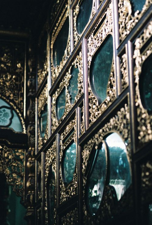 wall of #mirrors ... Blue & Gold. Teal.