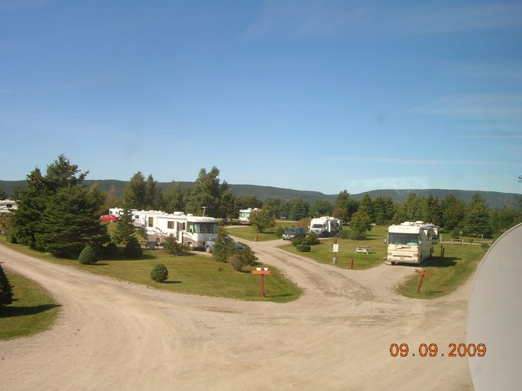 Fully serviced Big Rig sites as well as beautiful grassy tenting sites. Wi-Fi on site, Laundromat, Nature Trail, Free Firewood, Free Showers. Nearby Golfing.