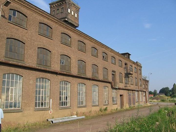 De gebouwen voor de restauratie