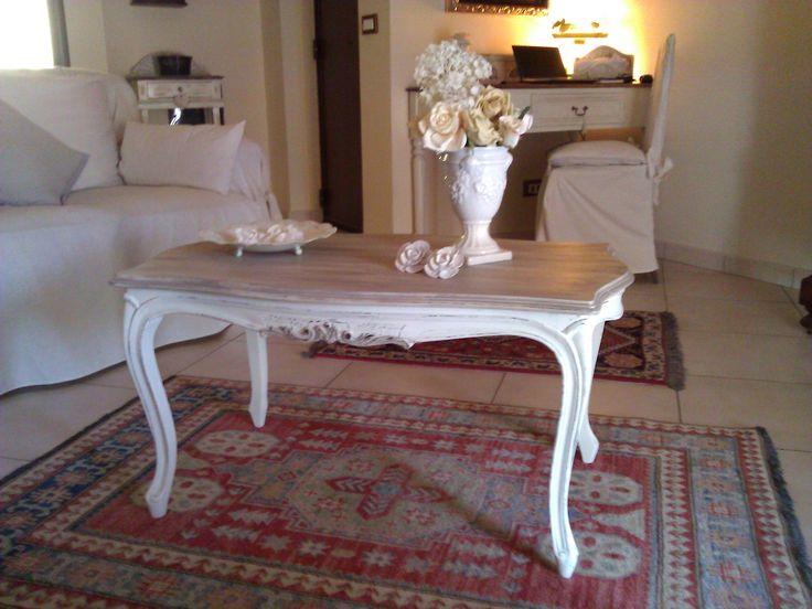 Tavolino vintage trasformato in stile Shabby Tavolini