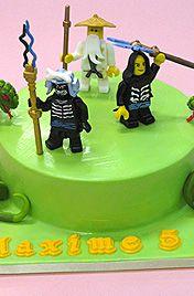 торт с фигурками лего