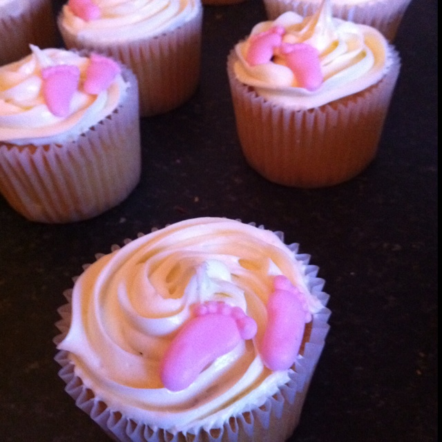 Cupcake. - baby girl x for my baby shower IDEA!!!!