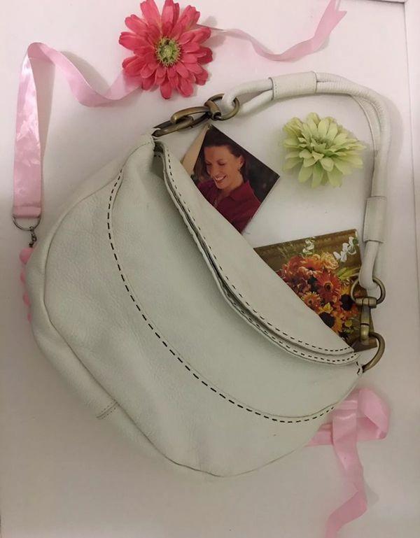 5e72e09f80 Carla Mancini White Pebbled Leather Purse