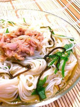 夏のランチに*塩昆布と大葉のさっぱり素麺