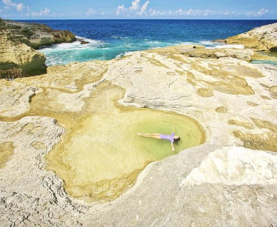 the Queen's bath, North Eleuthera, Bahamas