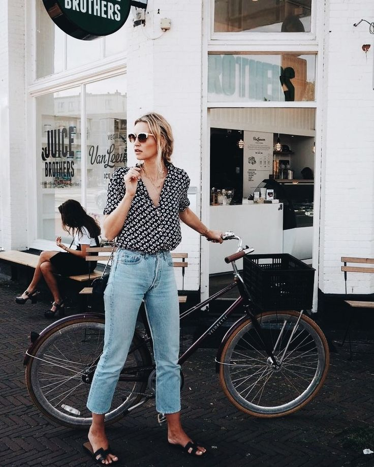 spring and summer fashion || jeans with simple chic tee 1