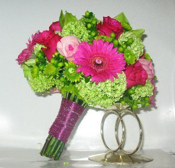 how to make a hand tied bouquet with water