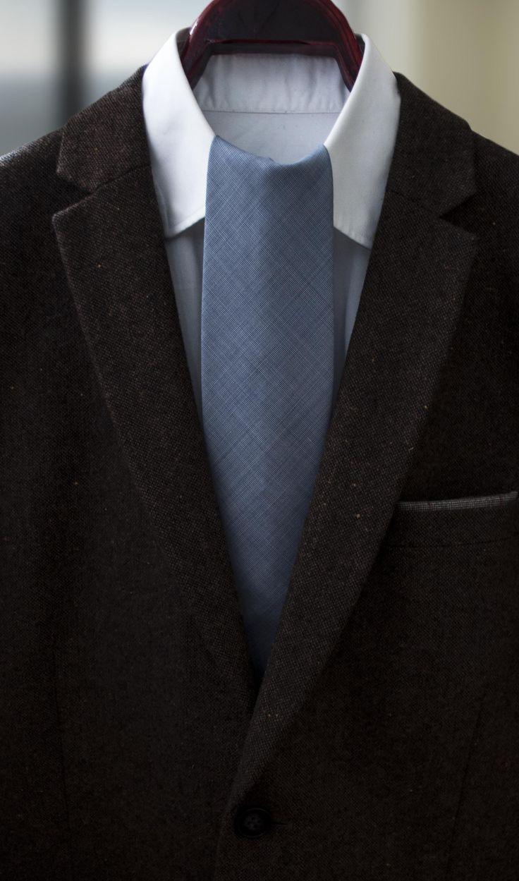 Médoc necktie. Casual business.
