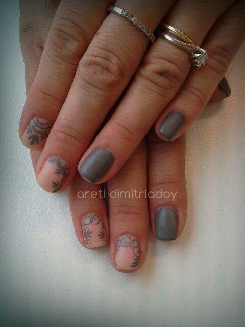 #nails #manicure #portorafti #essentialcare #imimonimo #matte