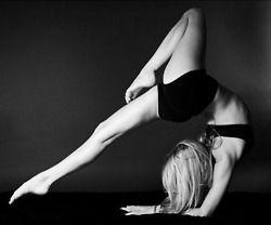 beautiful yoga, yoga photo, black & white wheel variation