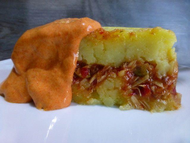 Pastel de patata y atún de la abuela Paca Ver receta: http://www.mis-recetas.org/recetas/show/70241-pastel-de-patata-y-atun-de-la-abuela-paca