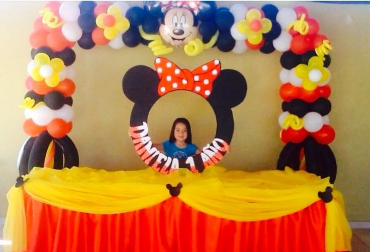 arco y marco para fotos de la minnie roja por balloon decoracin the effective decoraciones para baby shower ideas you can try 736x502