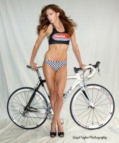 Vélo pour balade avec jolie femme du 36 sur www.velocustom.eu