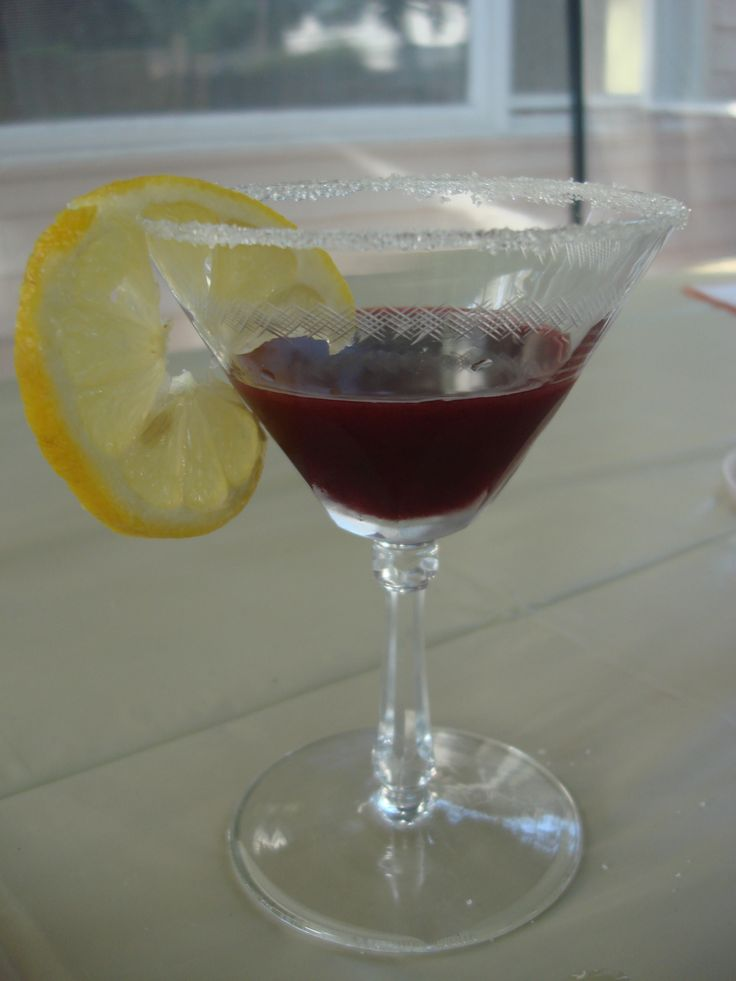 Blackberry Bonanza: Syrup, Martini, and Lemon Iced Tea (plus a lesson in empirical evidence)