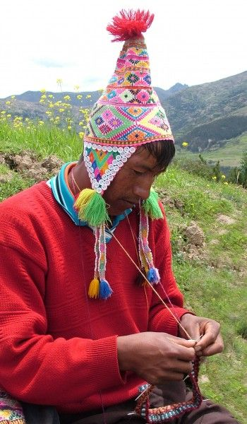 """I love this photo of a man #knitting in Peru"" #KnittingGuru http://www.pinterest.com/KnittingGuru Ocongate-KARI"