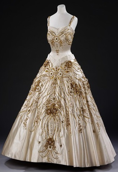 Worn by Queen Elizabeth 2nd, on state visit to Paris. Norman Hartnell, 1957