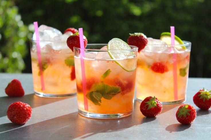 Tycker ni om drinken Margarita? Då ska ni testa att skaka fram den här margaritadrinken med färska jordgubbar och mynta =) Såå otroligt fräscht! Här kommer mitt recept!