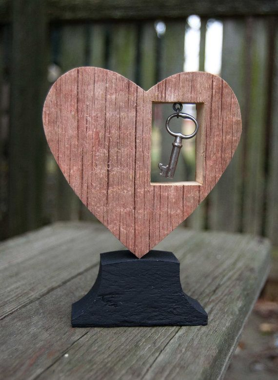 Reclaimed Wood Heart Red w/ Dangled Key Decoration by HopperRoad