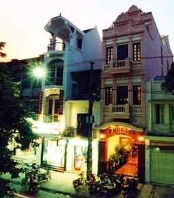 Hanoi Queen Plaza Hotel (deluxe) - Vietnam