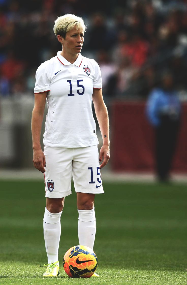 Megan Rapinoe in the 2014 US Soccer Home Kit.