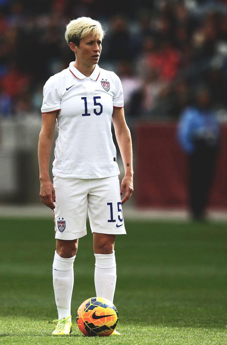 Megan Rapinoe in the 2014 US Soccer Home Kit.