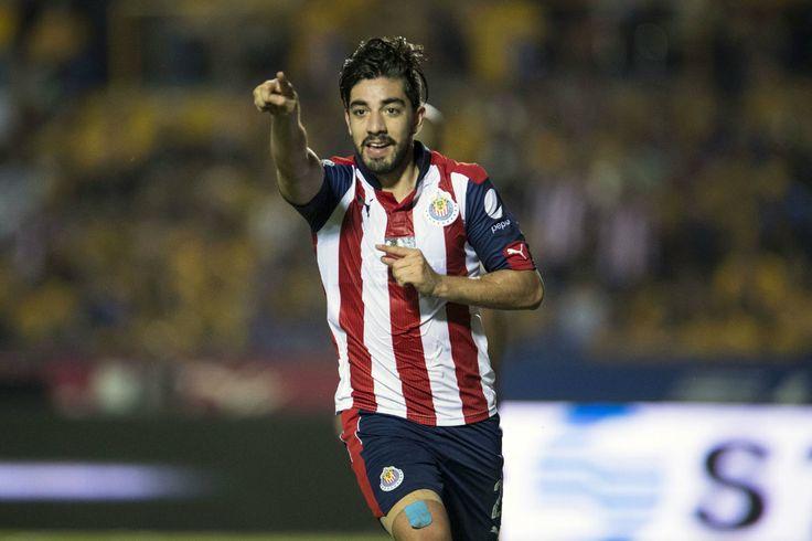 TIGRES NO ES TAN FAVORITO COMO DECÍAN: PIZARRO El atacante de Chivas consideró que tras el empate en la ida, el preocupado es el conjunto felino. Pizarro está convencido que el domingo será campeón su equipo.