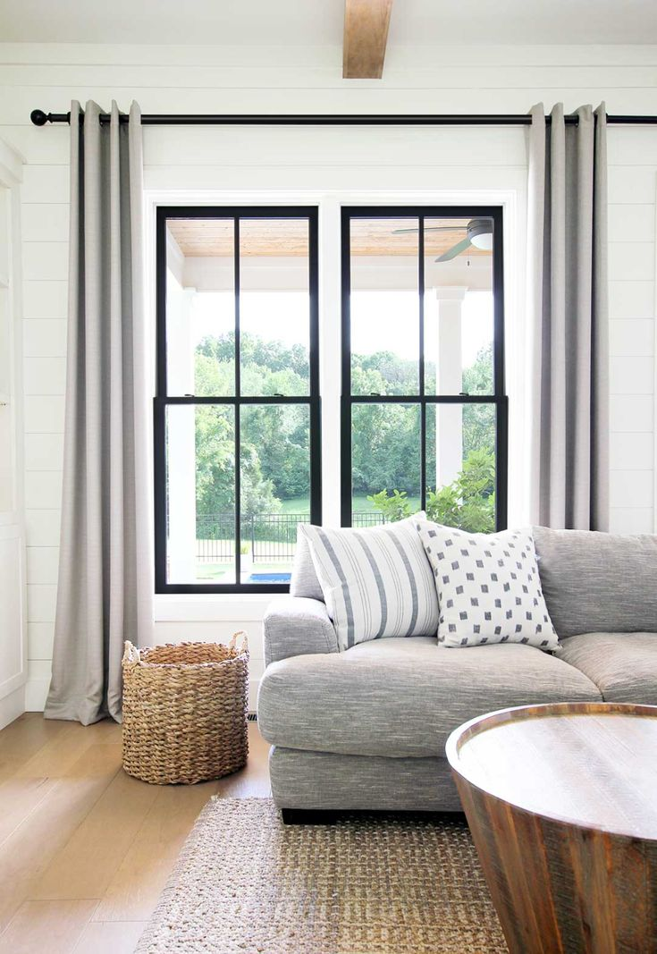 Cozy Home Interior Black vs White Windows. Black windows can give your home a modern look while still remaining timeless. Home Interior Black vs White Windows. Black windows can give your home a modern look while still remaining timeless. Style At Home, Black Window Trims, Grey Window Frames, Window Panes, Window Blinds, Double Vitrage, Interior Windows, Black Windows Exterior, Farmhouse Windows
