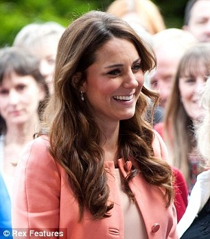 As Kate Middleton gives Bugaboo pushchairs a royal seal of approval a lookalike arrives on the scene (at £900 less) | Mail Online