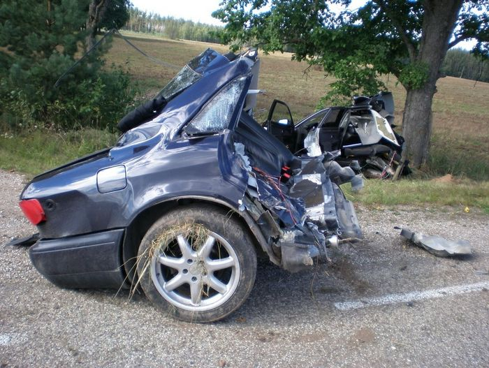 Pin By George On Ooops In 2020 Car Crash Car Accident Injuries Car
