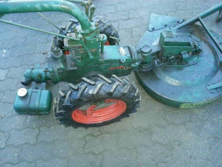 Verkaufe von privat Holder E 6 G mit Mähwerk. EinachsschlepperOhne Motor!Reifengröße: 4,00 x 121 Reifen sehr guter Zustand.Baujahr: 1961Maschinennummer: 26826An BastlerOhne Garantie keineRücknahme